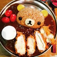 【美食推薦】首爾超萌人氣鬆弛熊芝士炸豬排咖喱飯 NiNa Kitchen 니나키친|每日限量|吃貨伴旅 CACAmazing Travel